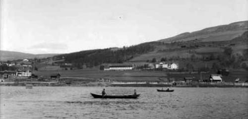 Over Lågen ved Hundorp i 1906. Foto. Hans H Lie