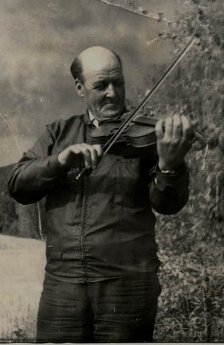 Redvald Fjellhammer på distriktskappleiken på Vinstra i 194