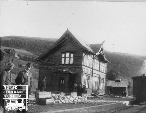 Hundorp stasjon (Bilde frå Norsk Jernbanemuseum)