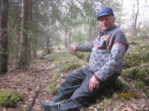 Arve Skurdal (1927) er ein sentral person i dette arbeidet.  Han er kjentmann og lokalhistorikar og kan fortelje mykje om verksemda ved Skodalsåa.