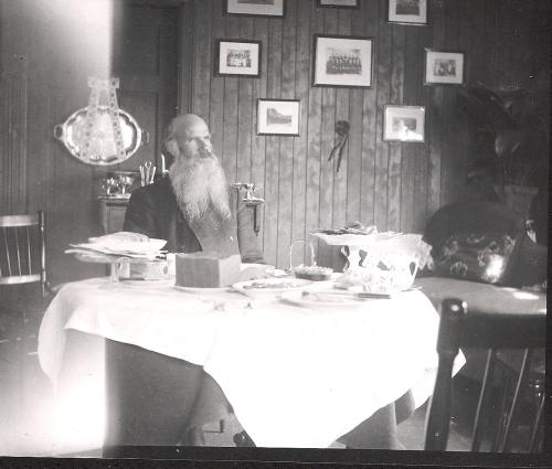 Olav P. Aasmundstad på Borg.