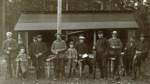 Vinstra skyttarlag 1909 (Foto frå Per Ottesen, N Stormyrbakken)