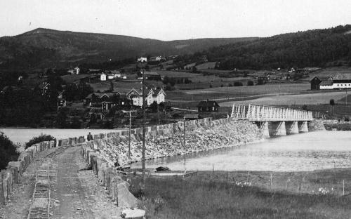 Hundorp bru snart ferdig 1925