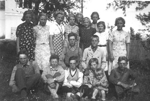 Konfirmantar Skåbu 1938. Bilde frå Olaug Askheim Aas via Per Ottesen