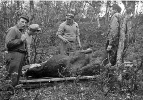 img002 Pål O Bakken, Per Hvattum og Peder Jøndal ca. 1947,