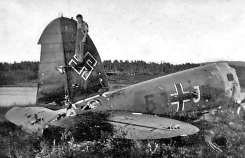 Tysk fly styrta ved Fagerli 1940. Bilde frå Johan Brandstad/Vegar Skar