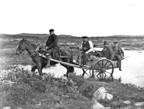 img002 Melgaard2, på vei til Storjetningen, f.v. Petter P. Seilstad, Ivar Holen, Thorvald Isum og Arnt Kristiansen (bykar)