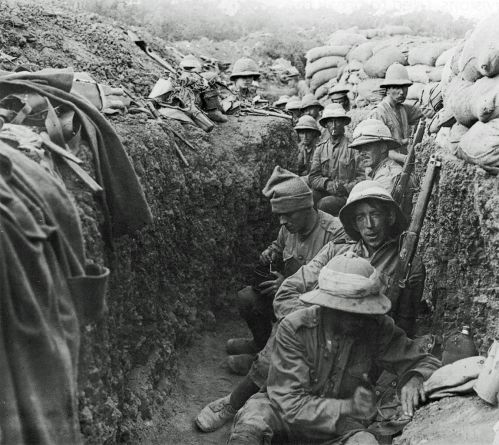 1346px-soldiers_in_trench