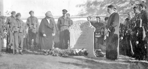 Avduking av Bjarne Lien stein, 1946